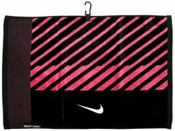Nike Face/Club Jacquard Golf Towel, Black/White/Pink