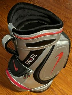 New Nike Golf 20XI Mini Range Bag / Den Caddy Silver / Red /